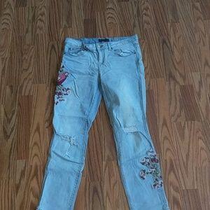 Super cute and trendy pants